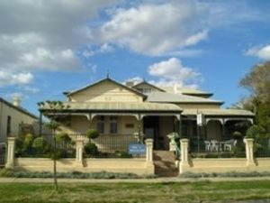 Meleden Villa - Kingaroy Accommodation