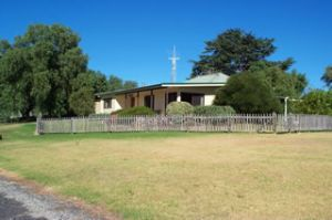 Monteve Cottage - Kingaroy Accommodation
