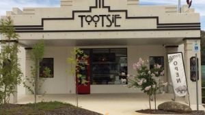 Tootsie Fine Art and Design - Kingaroy Accommodation